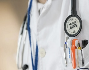 Report Shows Divide Trust in Healthcare Industry